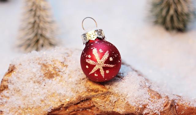 vánoční ozdoba s hvězdičkou