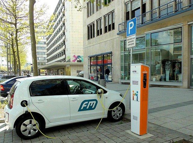 nabíjecí stanice na elektromobil