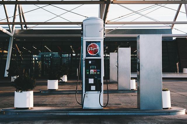čerpadlo na benzín