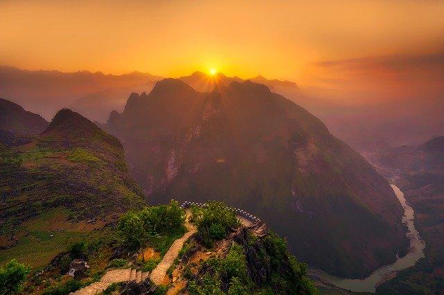 hora ve Vietnamu