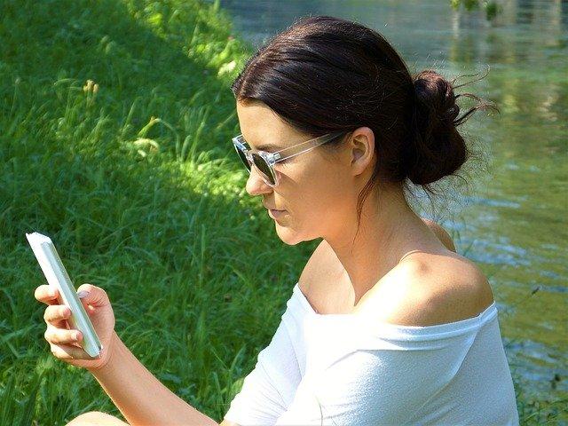 s mobilem i v přírodě