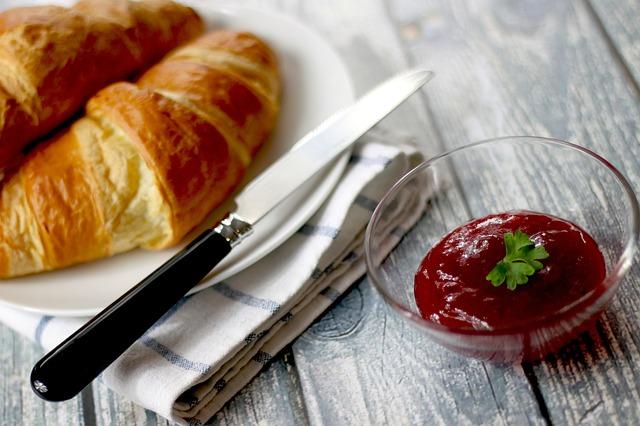 croissanty a želé