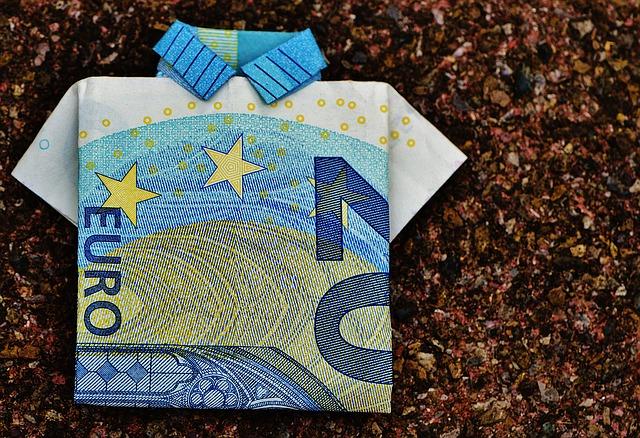 triko z bankovky