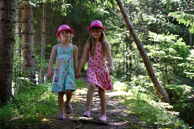 holčičky v lese