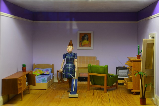 domeček pro panenky s luxující panenkou