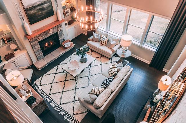 obývací pokoj s uspořádanou sedací soupravou.jpg